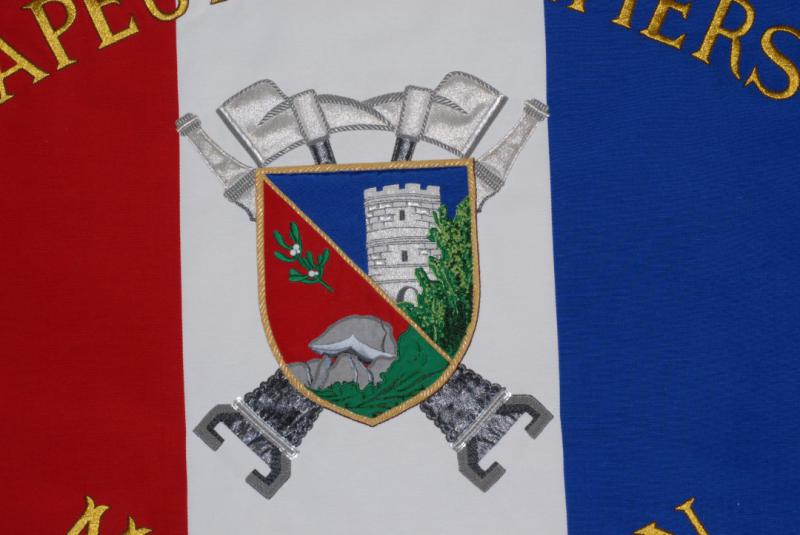 detail of the Montguyon firefighters flag